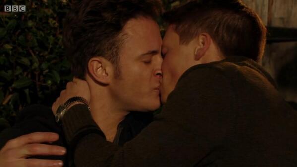 Www Glee Riker Carter Kiss: Vile Homophobic Reaction To Gay Kiss On EastEnders
